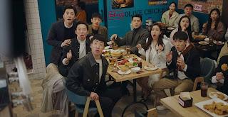 Kapten Ri, Yoon Se-ri dan anak buahnya saat di Seoul.