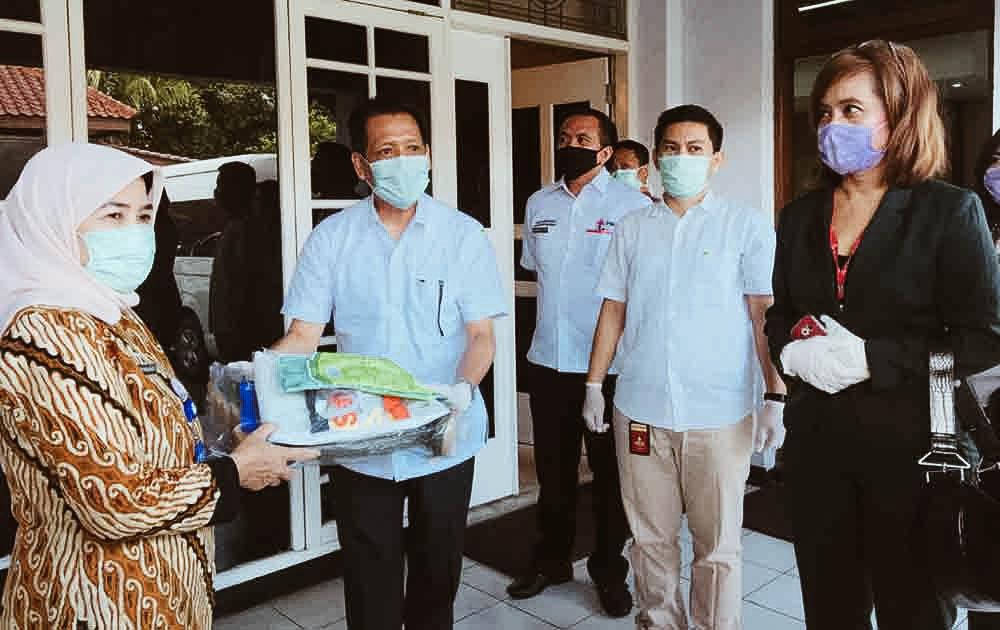 Hadapi Corona Sinar Mas Land Beri Bantuan Paket Alat Pelindung Diri Untuk Tenaga Medis