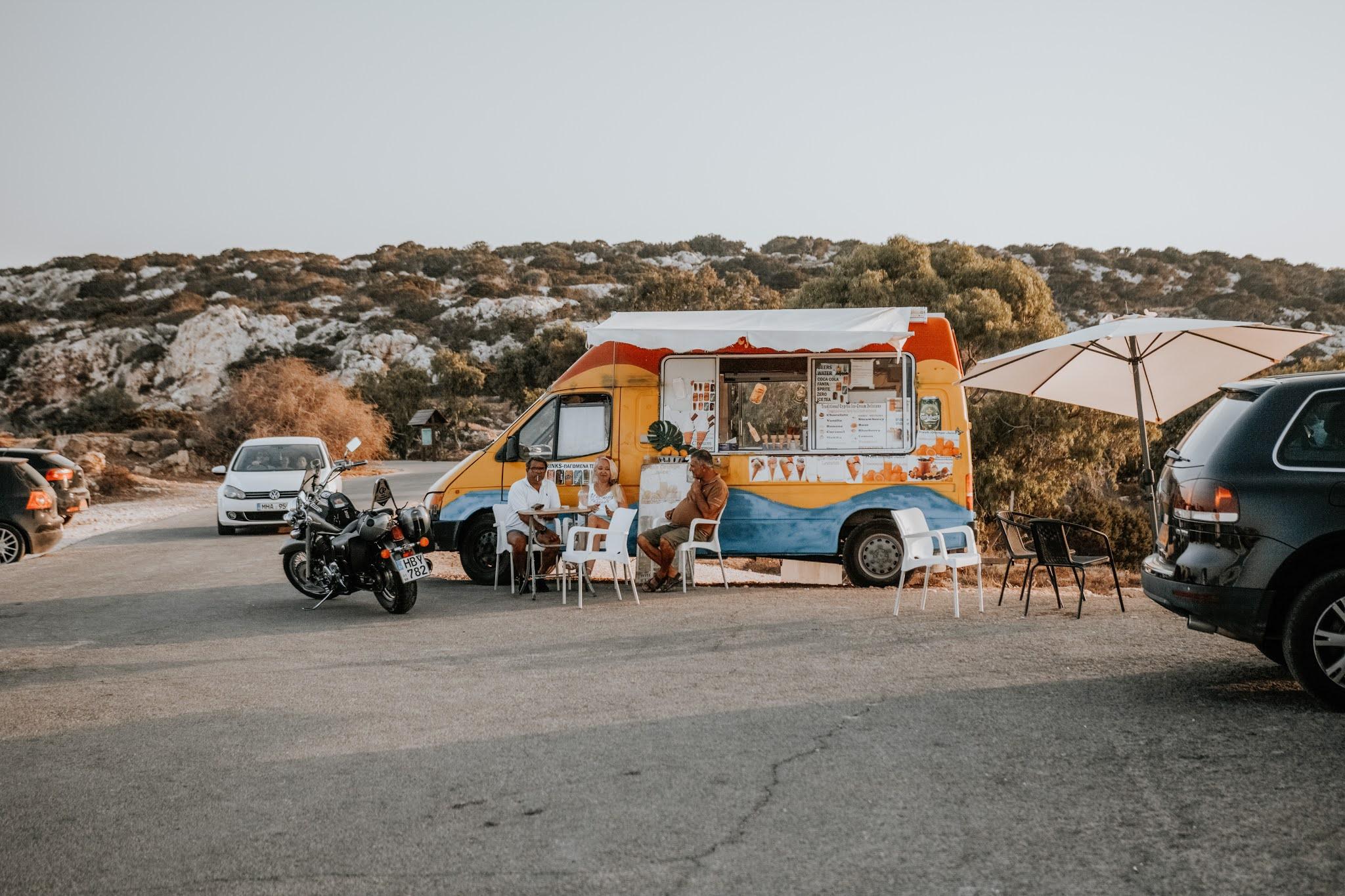Knajpka na Cape Greco, atrakcje Cypru