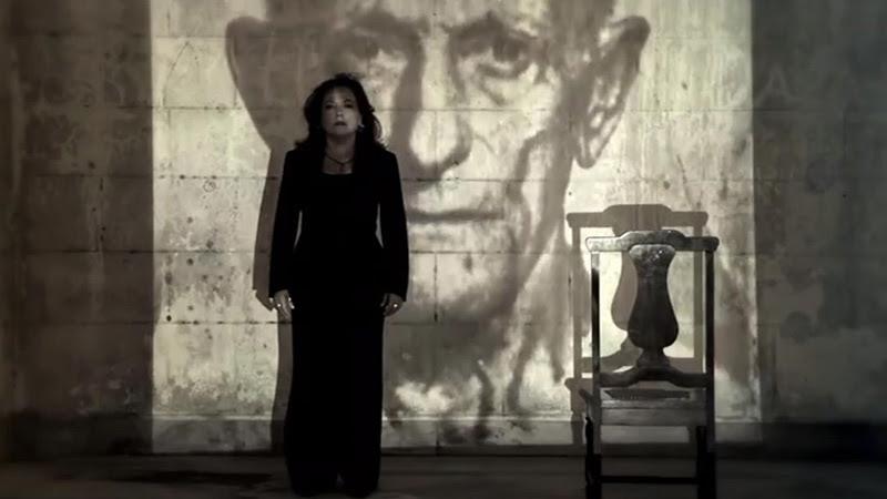 Liuba María Hevia - ¨Con los hilos de la luna¨ - Videoclip - Dirección: Pepe Hevia. Portal Del Vídeo Clip Cubano - 02