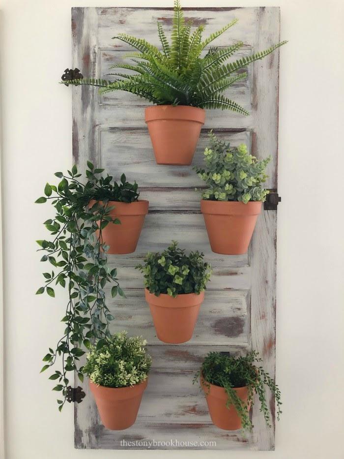 Planter wall close up