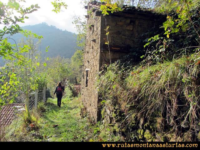 Ruta al San Justo o Cogollu: Atravesando Tendejón