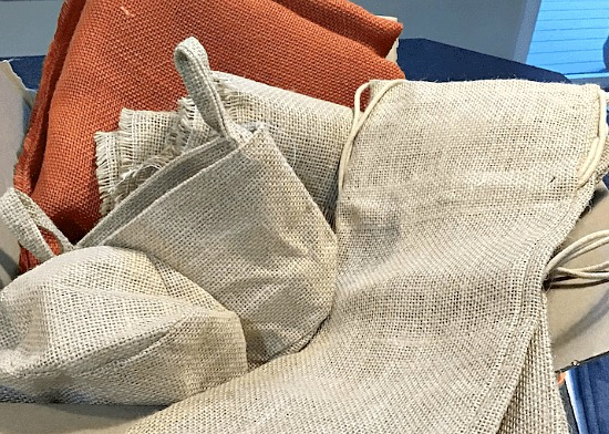 Stenciled Burlap Projects for the Fall