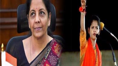 Defense-Minister-praises-Chaitra-Kundapur-for-showing-bravery