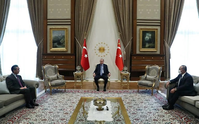 Η Άγκυρα εγκαλεί την Ελλάδα για την «τουρκική» μειονότητα