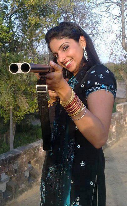 Guns: pakistani girl with gun