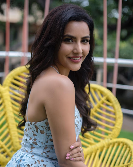Priya Anand (Indian Actress) Wiki, Age, Height, Boyfriend, Family, and More