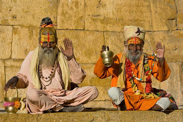 Индийский садху (святой человек)