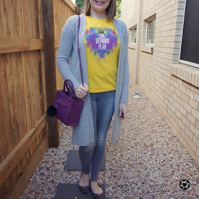 awayfromtheblue Instagram | public holiday mum style yellow band tee with grey duster cardi and skinny jeans