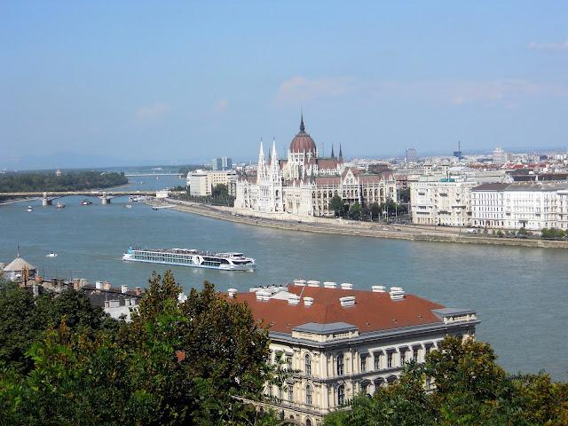 Panorama fiume città