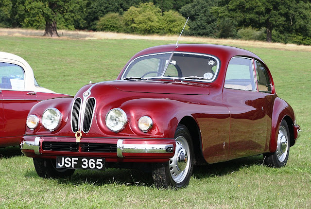 Bristol 401 1940s British classic saloon car