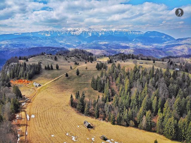Amfiteatrul Transilvania, traseul ecoturistic T9 - Moieciu de Sus