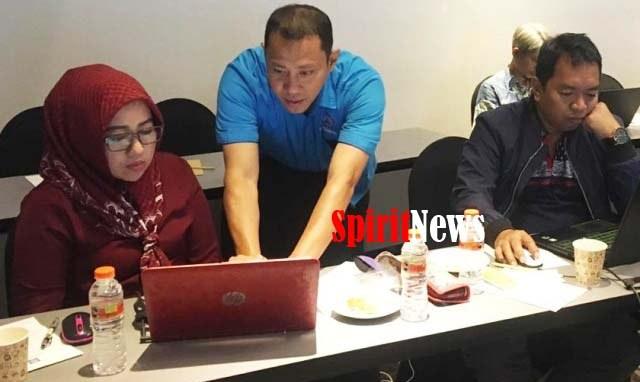 Dosen STIM Lasharan Makassar Latih Puluhan Dosen di Surabaya