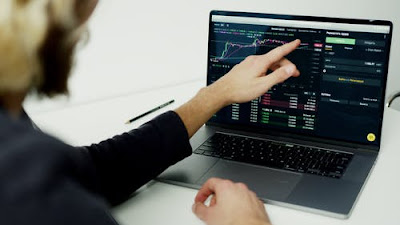 chart-in-laptop