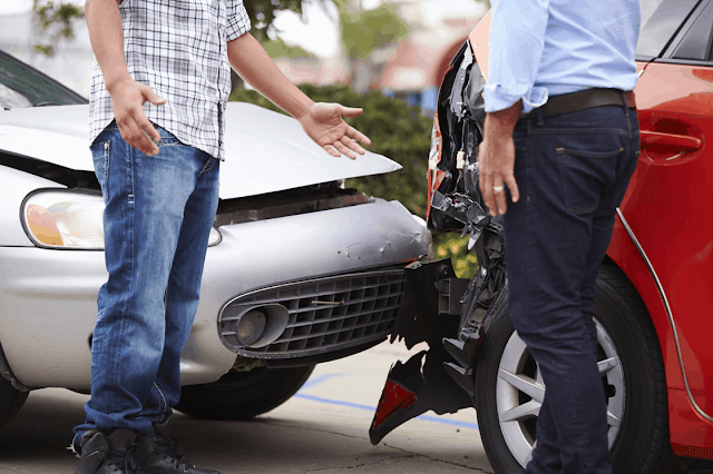 ¿Sabes para qué sirve el seguro de daños a terceros?