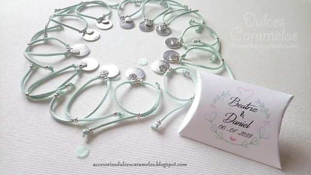 pulseras grabadas aguamarina boda amigas