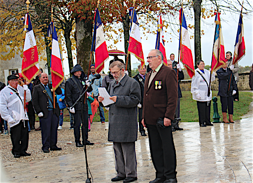 Nicole Bertin Infos  Les cérémonies du 11 novembre à Jonzac - Brice ... c4ae4fb19a6