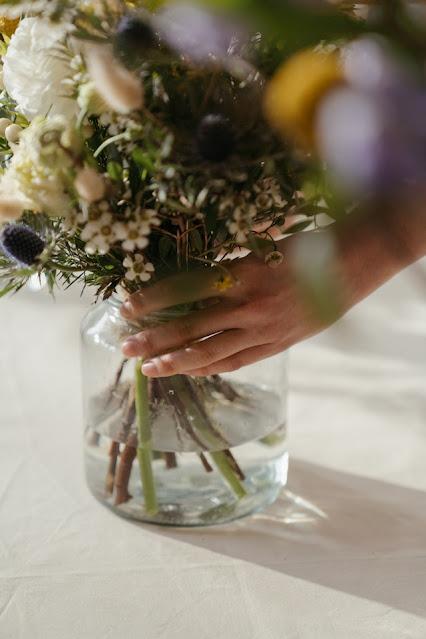 Ofera aceste flori cand vrei sa ii faci o surpriza celei mai bune prietene. Comanda de la o florarie online