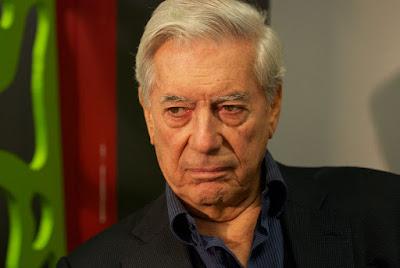 Mario Vargas Llosa, catalá ultramarí, naixcut a Arequipa, va passá la seua primera infansia a Bolivia, y mija vida a Perú. Va vindre a Madrid a fé lo doctorat, va passá uns añs a París, se va nassionalisá español al 1993 y actualmen viu entre Londres, Lima y Madrid, aon li diu la Preysler.