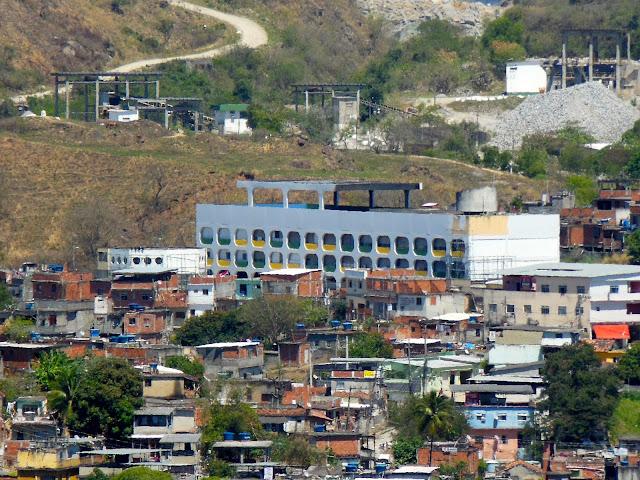 Ciep na Vila Cruzeiro/ Foto: Marcelo Migliaccio