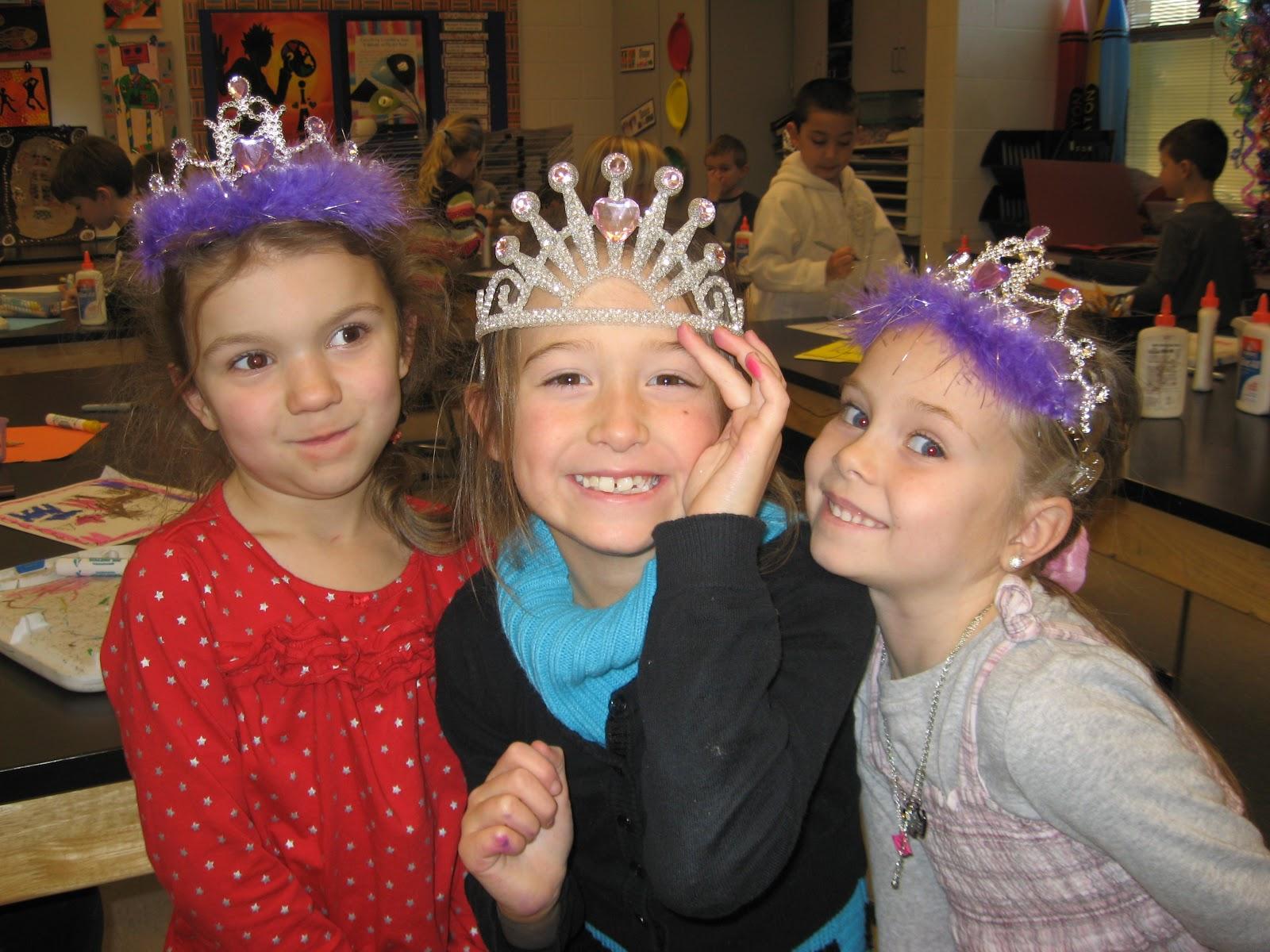 Jamestown Elementary Art Blog Kindergarten King And Queen Self Portraits