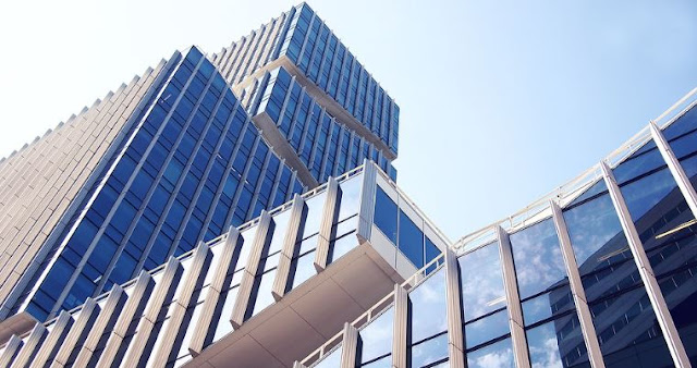 considerations buying commercial building property