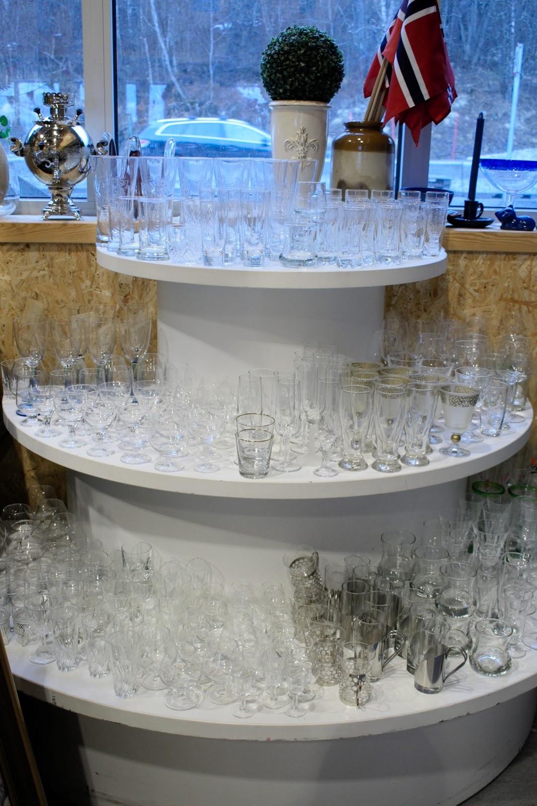 a00a01283fc1 Bruktikken på havna.  50% PÅ ALLE GLASS I DAG!!