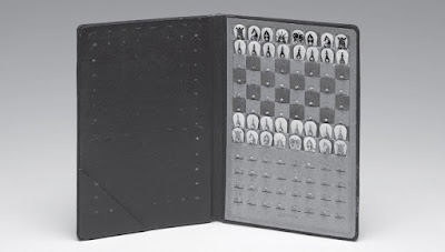 Ajedrez de bolsillo, diseñado por Marcel Duchamp en 1943
