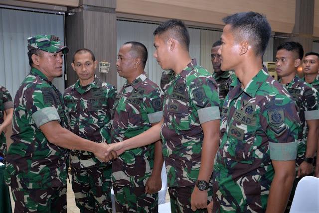 Pangkostrad Berikan Pengarahan Kepada Kontingen Persatuan Sepak Bola TNI AD