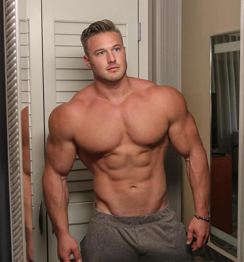 hot-big-muscle-beefy-man-bare-chest-davy-barnes-daddy-davymichael