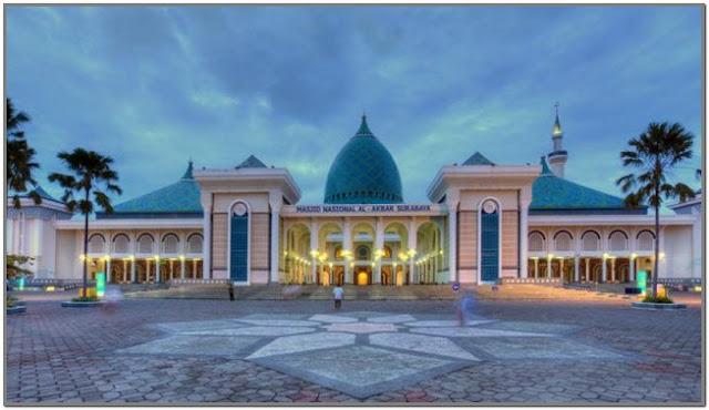 Masjid Nasional Al – Akbar;10 Top Destinasi Wisata Surabaya;