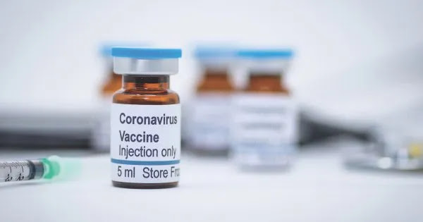 Dr. C.Hoffe: «Το 62% των εμβολιασμένων εμφανίζει θρόμβους - Φόβοι πως θα προκαλέσουν θανάτους εντός 3 ετών»