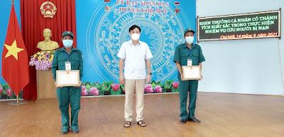 UBND huyện Chợ Mới tuyên dương, khen thưởng 2 dân quân cứu người