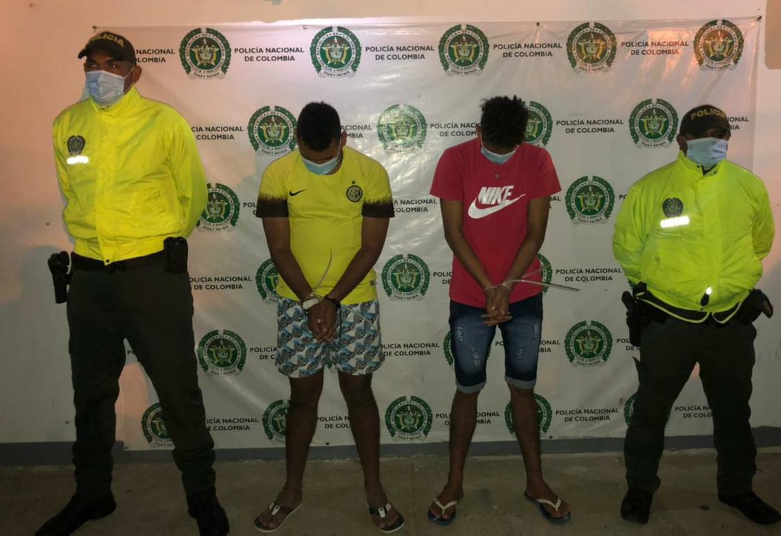 https://www.notasrosas.com/Por Homicidio Agravado, capturados dos hombres en El Cabo De La Vela