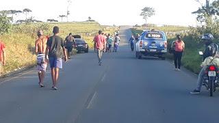 Motorista envolvido no acidente  foge levando outro veículo