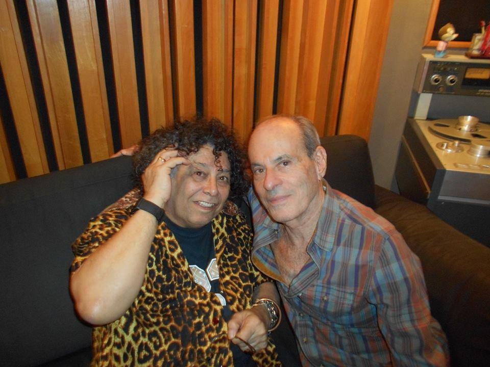 Artista pioneiro em sair do armário no Brasil, Edy Star grava com Ney e Filipe Catto