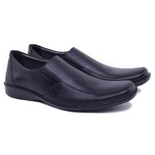 sepatu kerja pria hitam,sepatu kerja pria terbaru,grosir sepatu kerja pria murah,grosir sepatu kerja murah,gambar sepatu pantofel kulit asli,koleksi sepatu kerja guru pria terbaru,model sepatu formal pria elegan 2017