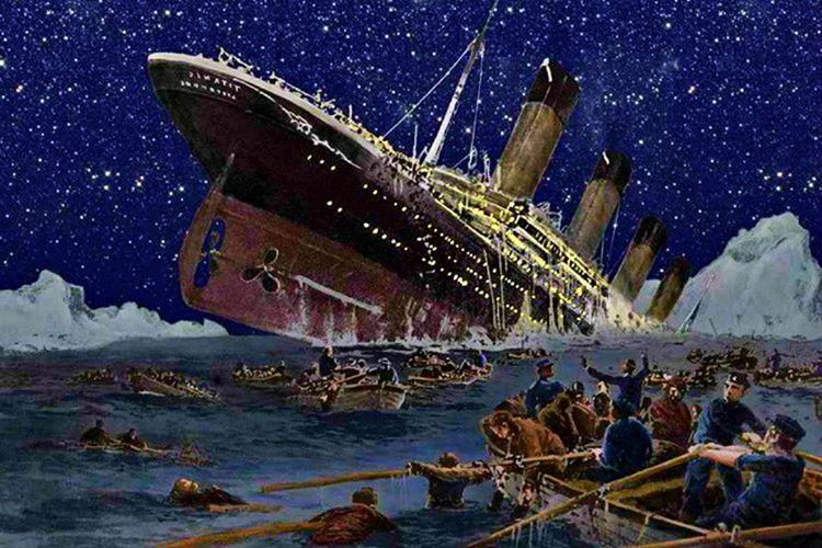 Titanik sulara gömülürken mürettebat tarafından bazı tehlike sinyalleri yollandı ama dikkate alınmadı.