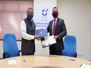 IIM Indore Signed MoU with MPIDC