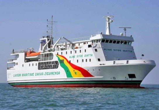 Aline Sito Diatta, le ferry qui relie Ziguinchor : Tourisme, bateau, Ferry, Aline, Sitoé, Diatta, Casamance, Ziguinchor, embouchure, fleuve, vacances, voyage, LEUKSENEGAL, Sénégal, Dakar, Afrique