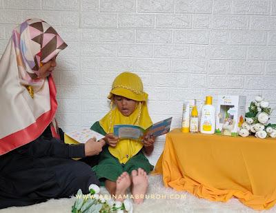 Manfaat membacakan buku untuk anak sejak dini
