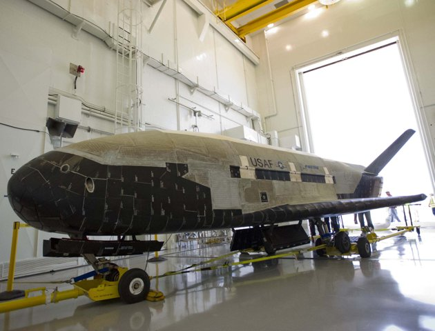 Mystery Mini Space Shuttle X-37B - The Fun Learning
