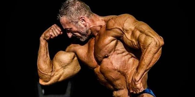 Ένας ειδικός φρουρός στο Παγκόσμιο Πρωτάθλημα Body Building στο Ναύπλιο 6-8 Σεπτεμβρίου