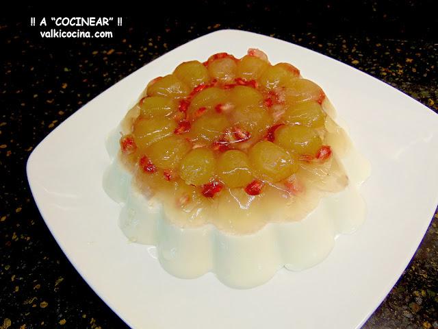 Tarta de queso crema y gelatina de uvas