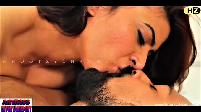 Sonia Singh Rajput nude scene - Darar s01ep01 (2020) HD 720p