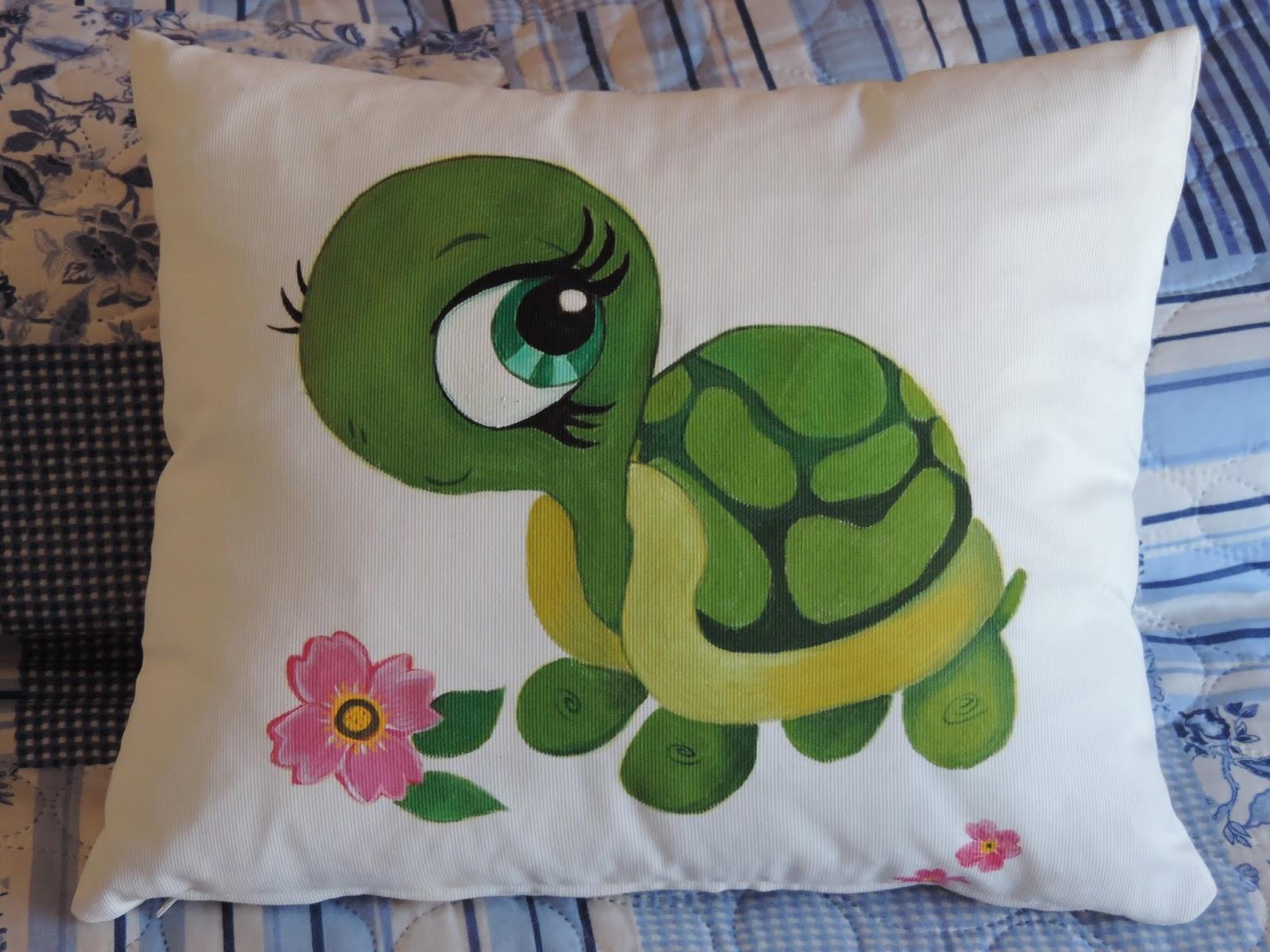 Cosas de cari cojin de tortuga pintado en tela - Pintura en tela dibujos ...