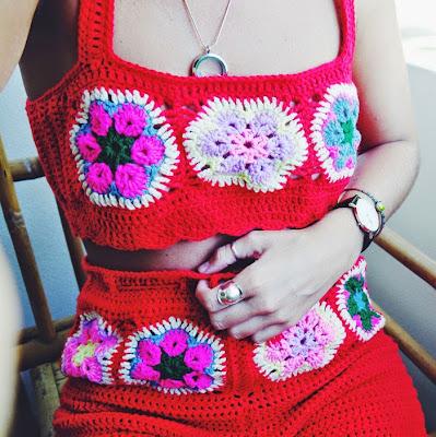 http://www.kirstywears.com/2015/05/60s-inspired-crochet-two-piece.html