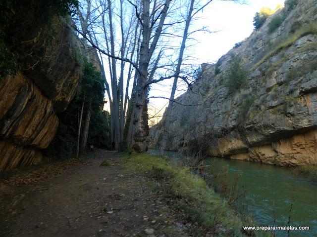 paseo fluvial por Albarracín