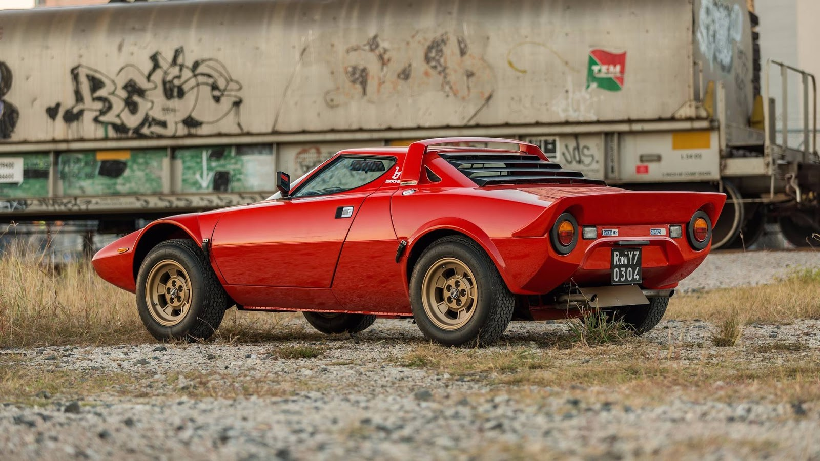 1974 lancia stratos sells for a skyhigh 475000 carscoops
