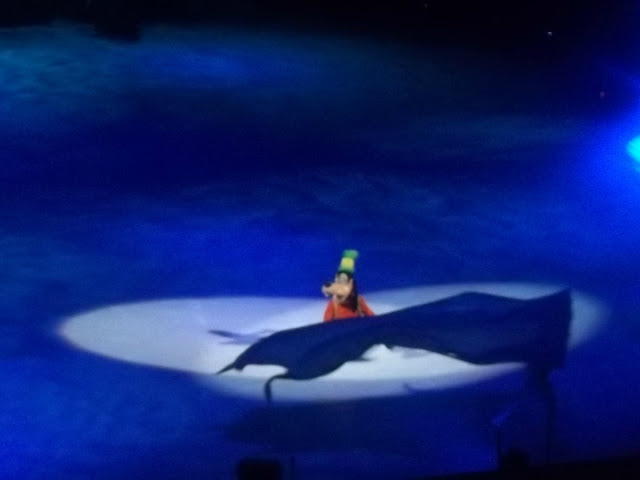 Goofy Disney on Ice